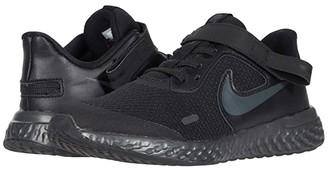 Nike Kids Flyease Revolution 5 (Little Kid) (Black/Black/Anthracite) Kid's Shoes