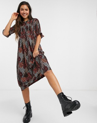 Pieces smock midi dress with puff sleeves in red ditsy floral