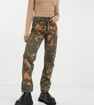 Collusion x000 Unisex 90's fit straight leg bleached jeans