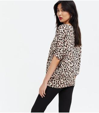 New Look Deep Hem Batwing Top - Leopard Print