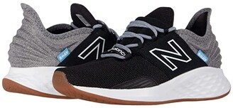 New Balance Fresh Foam Roav Tee Shirt (Black/Light Aluminum) Women's Running Shoes