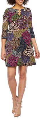 MSK 3/4 Sleeve Feather Print Shift Dress
