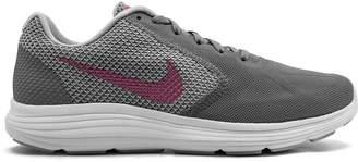 Nike Revolutions 3 sneakers