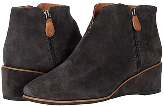 Gentle Souls by Kenneth Cole Ella Wedge Zip (Charcoal Suede) Women's Shoes