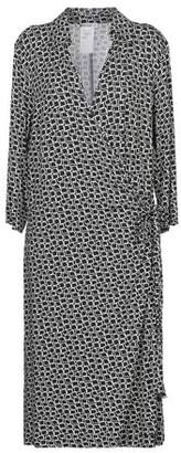 Persona Knee-length dress
