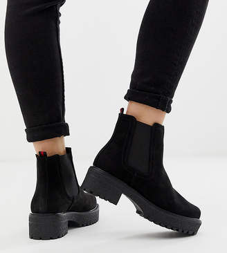 New Look chunky flat boots in black