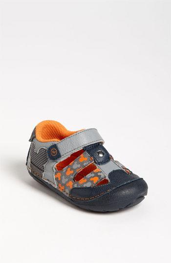 Stride Rite 'Mickey' Sneaker (Baby & Walker)