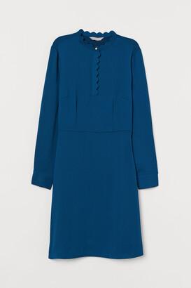 H&M Scalloped-edge Dress