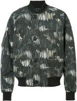 Canada Goose camouflage bomber jacket - men - Nylon - S
