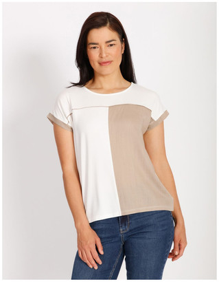 Regatta Etched Short Sleeve Colourblocked Tee With Hilo Hem With Back Split