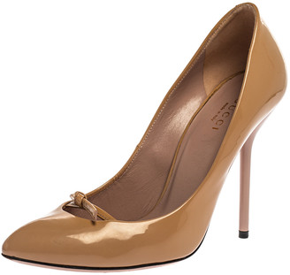 Gucci Beige Patent Leather Knotted Bow Detail Pumps Size 36
