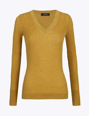 AutographMarks and Spencer Fine Gauge Merino V-Neck Fitted Jumper