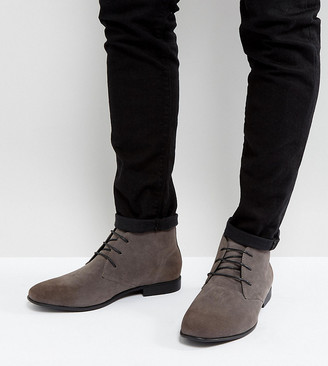 Asos DESIGN Wide Fit chukka boots in gray faux suede