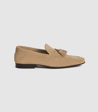 Reiss LARCH SUEDE TASSEL LOAFERS Stone