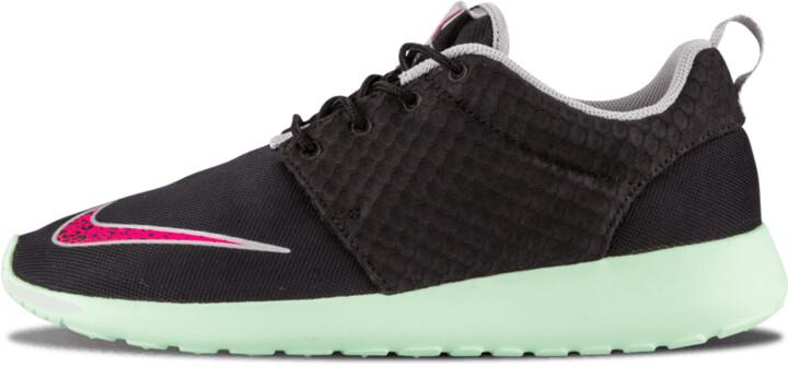 Nike Rosherun FB 'Yeezy' Shoes - Size 9.5