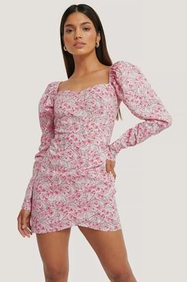 Jldrae X NA-KD Volume Sleeve Wrap Mini Dress