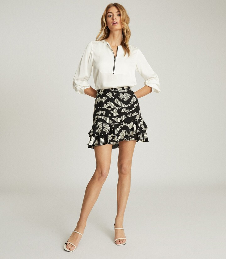 Reiss Cadence - Printed Mini Skirt in Black