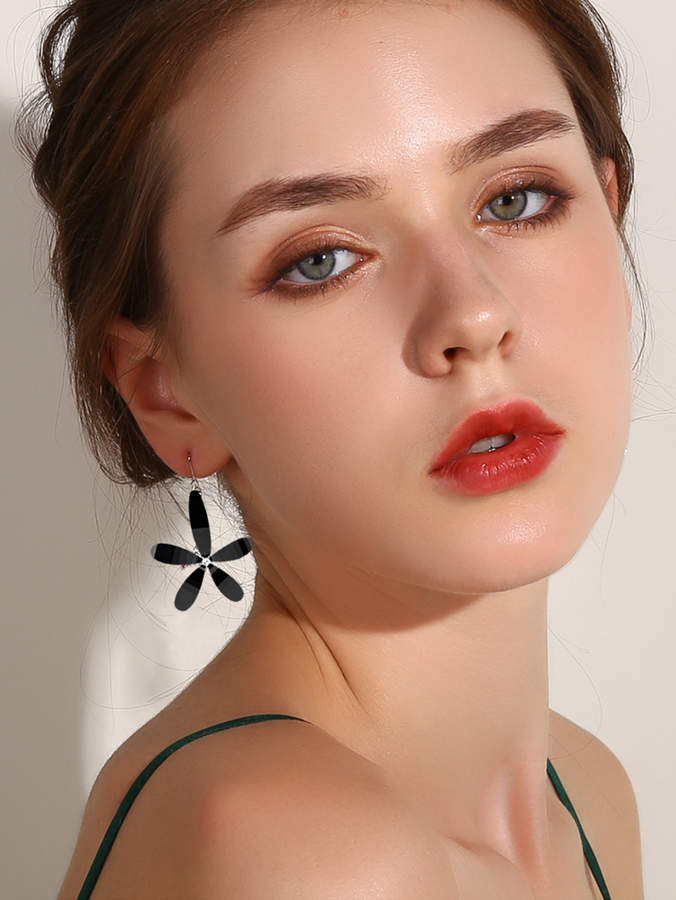 Shein Gemstone Decor Flower Shaped Drop Earrings 1pair