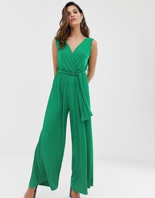 Liquorish plisse jumpsuit in emerald green