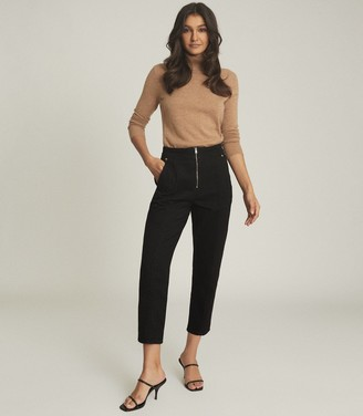 Reiss Zadie - Slim Cut Jeans With Exposed Zip Detail in Black