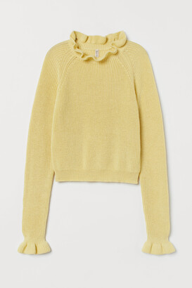 H&M Ruffled Ribbed Sweater