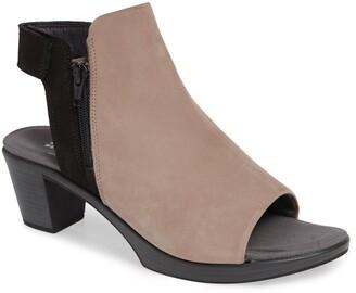 Naot Footwear Favorite Sandal
