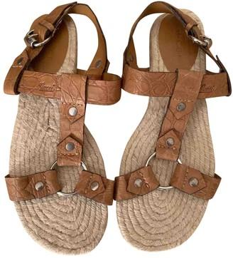 Gucci Beige Crocodile Sandals