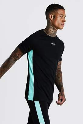 boohoo MAN Active Muscle Fit Raglan T-Shirt