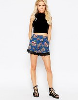 Motel Maisy Shorts With Lace Trim in Floral Print