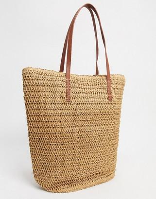 Accessorize shopper bag in straw