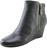 Isaac Mizrahi Kierra W Round Toe Leather Bootie.
