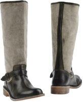Le Crown Boots