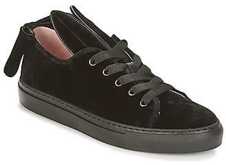 Minna Parikka T-BOW women's Shoes (Trainers) in Black