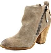 Dolce Vita Hix Women Pointed Toe Leather Ankle Boot.