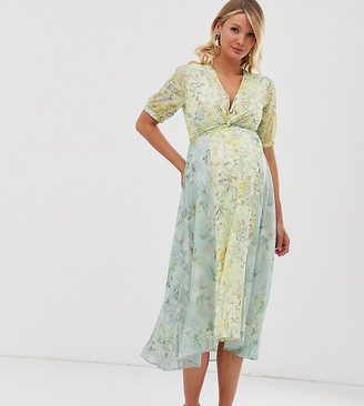 Hope & Ivy Maternity wrap front paneled midi skater dress in floral print