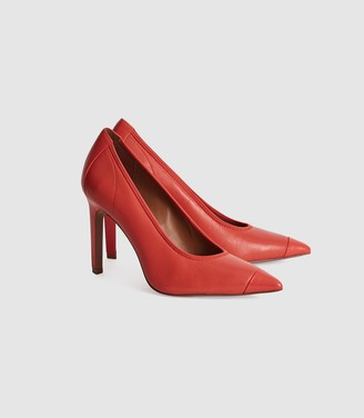 Reiss Lowri - Leather Point Toe Court Shoes in Coral