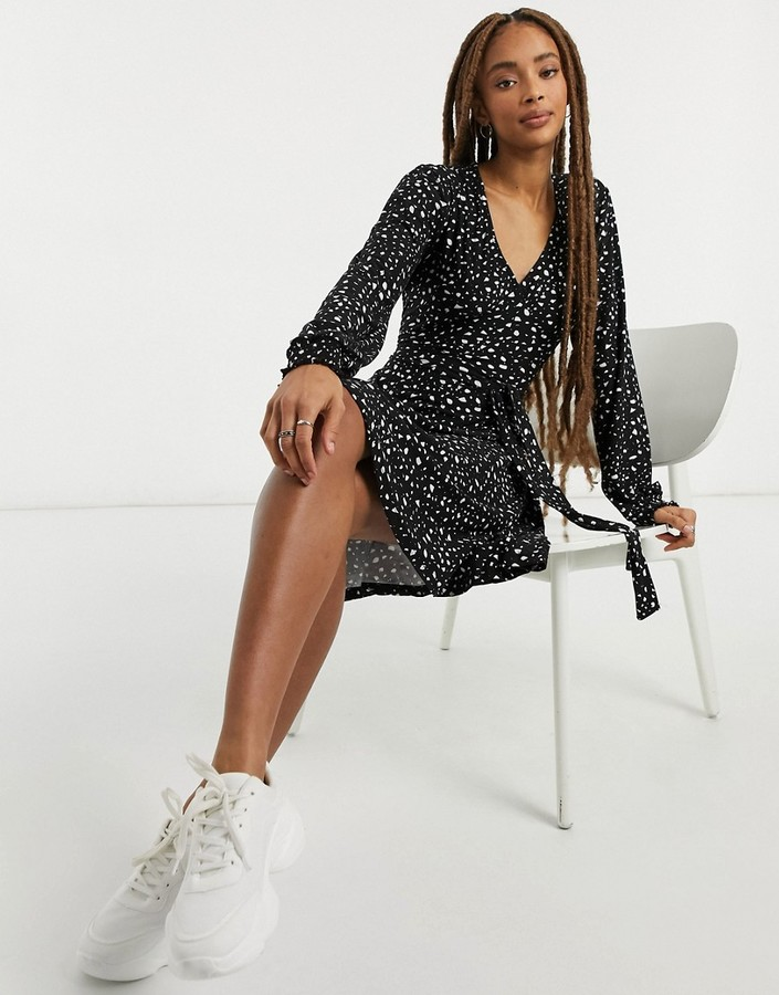 Thumbnail for your product : Qed London soft touch mini skater dress in black and white spot