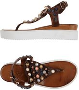 Inuovo Thong sandals