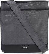 Armani Jeans Logo-detail waterproof messenger
