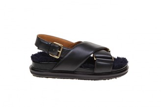 Marni Fussbett Sandal In Leather With Curly Merinos