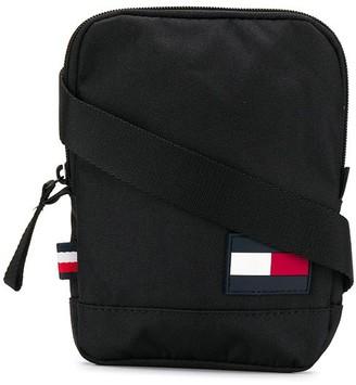Tommy Hilfiger TH Core crossbody bag