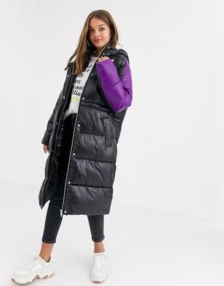Asos DESIGN contrast panelled puffer coat in black