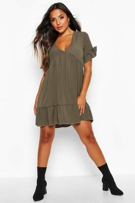boohoo Petite Ruffle Detail V-Neck Smock Dress