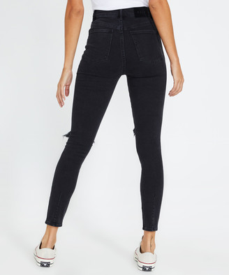 Neuw Marilyn Jeans Busted Black