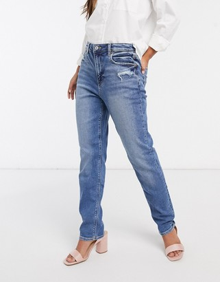 American Eagle classic mom jean in medium wash blue