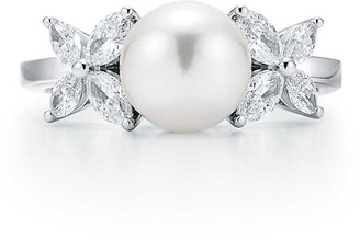 Tiffany & Co. Victoria ring in platinum with a freshwater pearl and diamonds