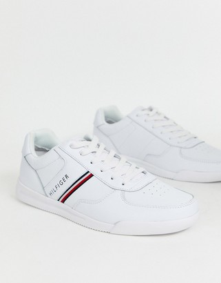 Tommy Hilfiger lightweight leather trainer in white