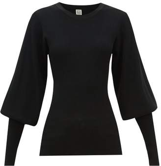 Totême Vignola Bishop-sleeve Ribbed-knit Sweater - Womens - Black