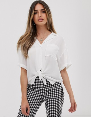 Asos Design DESIGN short sleeve crinkle shirt with tie front