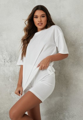 Missguided Petite White Oversized T Shirt And Cycling Shorts Co Ord Set